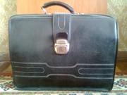 продам чёрный кожаный портфель