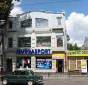 В Киевском р-не по ул. Пушкинская,  здание (магазин спортивных товаров)