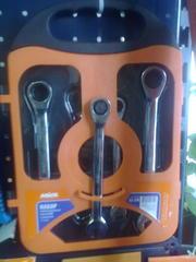 Продам Набор ключей комбинированных с трещёткой (72 зуцба) CRV,  5шт в