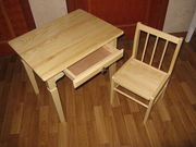 Комплект из дерева для детской комнаты (стол и стул)