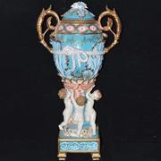 Декоративная ваза с путти