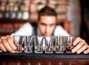 Требуется Бармен-официант в небольшой караоке-бар