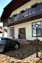 Двухэтажный дом,  р-он м.Ак.Павлова отличного состояния