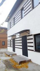 Срочно продам новый качественный дом в Харькове на берегу реки.