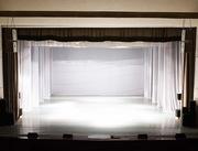 Пошив и монтаж одежды сцены для зрительных залов.