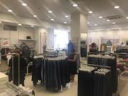 Магазин,  торговое помещение в центре.