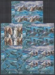Красивые марки фауна Акулы